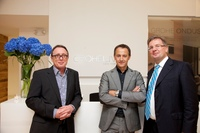 Franz Droege (President/CEO GROHE America), Paul Flowers (Senior Vice President Design der Grohe AG) und Michael Rauterkus (President Europe Grohe AG) bei der Eröffnung des neuen GROHE Live! Centers in New York. (v.l.n.r.)