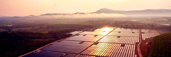 Meyer Burger und CSEM verlängern Zusammenarbeit für die gemeinsame Entwicklung von neuartigen Solarzellen und -modulen