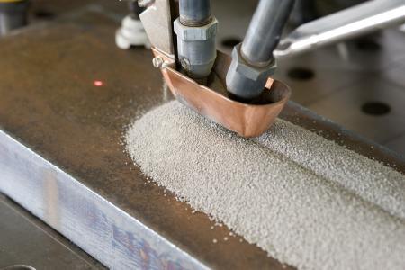 Unterpulverschweißen: Die Software ProWeld von thyssenkrupp berechnet alle wichtigen Schweißparameter