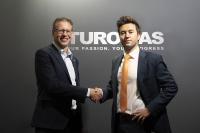 Von links: Peter Dixen, CEO A+W; Álvaro Tomás, Präsident TUROMAS