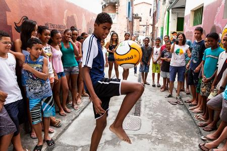 Die Begeisterung für Fußball ist auch bei den Kindern vom Projekt UERÈ allgegenwärtig und sie träumen alle von der brasilianischen Nationalmannschaft