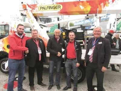 LTR: Henning Deichmann (Palfinger Platforms GmbH), Vesa Hakkarainen (RealMachinery Oy), Christian Eiring (Palfinger Platforms Oy), Mikko Uusi-Marttila (RealMachinery Oy), Kaarlo Halinen (RealMachinery Oy)
