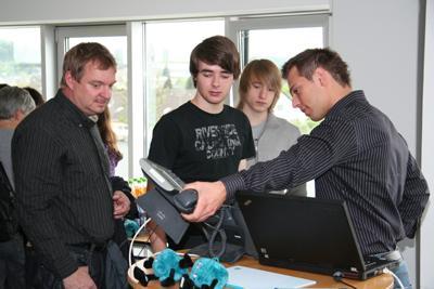 """Azubi-Event """"your Future 2010"""" bei CONET bringt 80 Besucher in die Hennefer Unternehmenszentrale"""