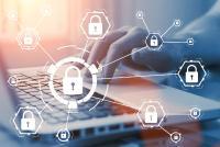 Ein hybrider Briefversand hat nicht nur die Vorteile vereinfachter Arbeitsabläufe und der Kosteneinsparung, sondern kann auch in Bezug auf Datenschutz und Datensicherheit punkten.  © Bild: Adobe Stock
