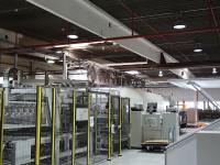 Produktionsbetrieb mit LEDAXO LED-Hallenstrahlern