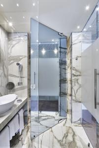 Park Hotel Imperial, Limone sul Garda, Italien Pilkington Mirropane™ Chrome Plus