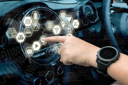 Swissbit präsentiert auf dem ELIV-Kongress sichere Speichermodule für die Automobilelektronik / Bildquelle: zapp2photo / Fotolia