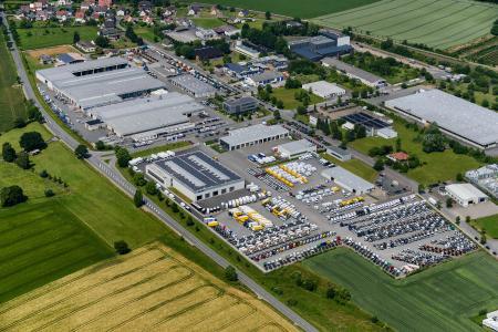 Foto: Spier GmbH - Werksgelände der SPIER GmbH & Co. Fahrzeugwerk KG in Steinheim