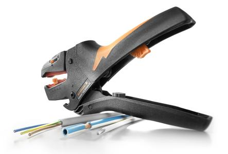 Weidmüller stripax® ULtimate XL stripping tool: Weidmüller adds the new stripax® ULtimate XL stripping tool to its proven stripax® range. The stripax® ULtimate XL for processing tough, halogen-free insulation materials in XL format.