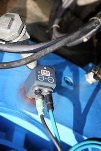 Drei FAG SmartCheck messen die Getriebeschwingungen an den Schneckenpumpen des Klärwerks