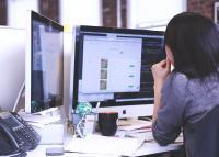 """Das neue """"Flexible Office"""" der CIM wird von den Mitarbeiterinnen und Mitarbeitern abwechselnd genutzt"""