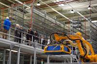 Im Imagination Center überzeugten sich die Besucher hautnah auf insgesamt 2.600 Quadratmetern Ausstellungsfläche von den Entwicklungen in der Welt der Automatisierungslösungen. (Foto: Dematic)