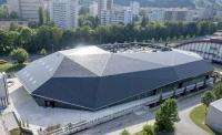 Mit dem in der Schweiz entwickelten und hergestellten Solardach- und Fassadensystem MegaSlate kann jedes Dach mit einer aktiven Dachhaut und fast jede Fassade mit Fassadenelementen ausgerüstet werden und CO2-freien Strom produzieren.