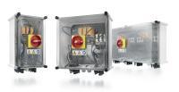 Mit PV Next bietet Weidmüller das weltweit erste Geräteanschlusskasten-Konzept auf Basis eines standardisierten Leiterplattendesigns. Vierzig Varianten, die sich leicht handhaben und skalieren lassen, schaffen dabei ein neues Maß an Flexibilität