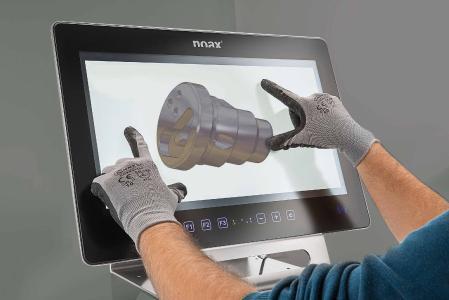 noax Industrie-PC S21WP mit der 3D-Multitouch-Technologie für die Produktion