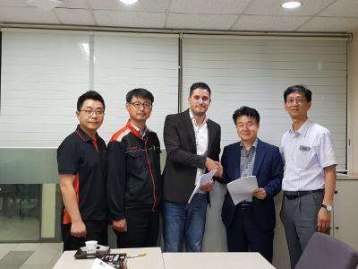 From left: Tae-Heon Kim, Production Manager, Daehan Steel; Young gi Lee, Plant Manager, Daehan Steel; David Maurizio, Area Sales Manager, SMS group S.p.A.; Jong-An Park, Senior Managing Director, Daehan Steel; Meoung-Jong Jeon, Vice President, SMS group GmbH Korea Branch