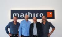 Die Geschäftsführer der maihiro GmbH mit Innenarchitekt Michael Bednarik (2.v.r.) Foto maihiro