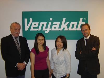 (from the right): Christian Nüßer – CEO Venjakob Maschinenbau, Willow Ng – Personal Assistant of Mr. Rademacher, Fatima Johari - Sales Secretary / Customer Service, Bernd Rademacher – Area Manager South East Asia