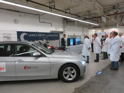 An zwei Konzeptfahrzeugen konnten die Besucher die Innovationen von Huf testen (Foto: Huf)