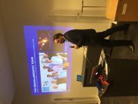 Rene Fassbender von OmegaLambdaTec präsentiert beim 175. Unicorn Battle in Berlin