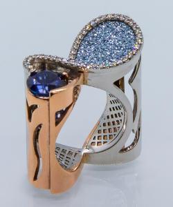 """Ring """"Aqua Wave"""" von MyriamSOS in Zusammenarbeit mit dem Osmium-Institut Zypern"""