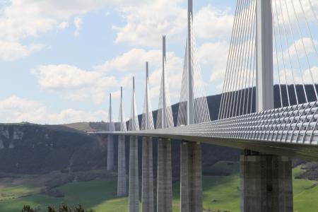 """Die Internationale VDI-Konferenz """"Bridges"""" am 25. und 26. Juni 2019 in Rotterdam spannt den Bogen von Planung und Konstruktion über den Bau bis zur Wartung."""