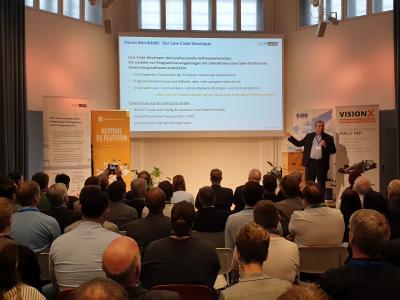 Karsten Noack bei seiner Keynote bei der Premiere des Berlin Low-Code Day