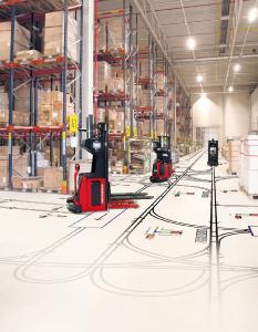 Mithilfe von Simulationen optimal geplant: Transportrobotik-Konzepte für automatisierte Materialfluss- und Lagersysteme