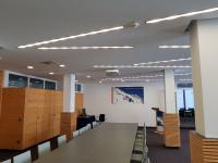 Lichtbänder simmulieren den imaginären Weg zu Deutschlands höchstem Konferenzraum