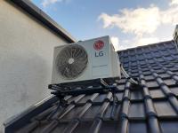 Kann kühlen, aber auch nerven und die Konstruktion schädigen, wenn sich die Vibrationen eines Klimasplittgerätes in die Hausstruktur und das Gebäudeinnere übertragen / Bildnachweis: ACE Stoßdämpfer GmbH