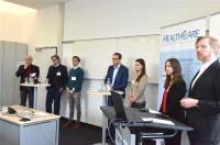 HealthCare Regensburg Projektmanager Dr. Ilja Hagen (1.v.r.) führte gemeinsam mit Bianca