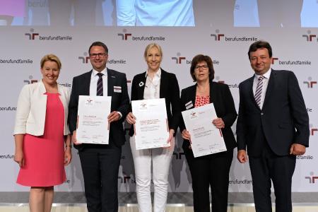 """B. Braun erneut mit dem Zertifikat """"audit berufundfamilie"""" ausgezeichnet / Bild: berufundfamilie, Thomas Ruddies / Christoph Petras"""