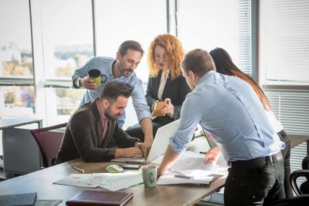 freelance pages 2.0 - Startup ermöglicht neue Formen der Teamarbeit / Team shutterstock