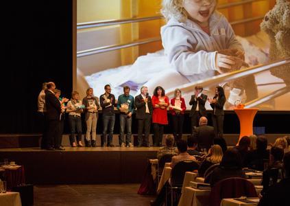 fidelis HR Tombola zugunsten der KlinikClowns erbringt Gesamtspende in Höhe 6.000 Euro
