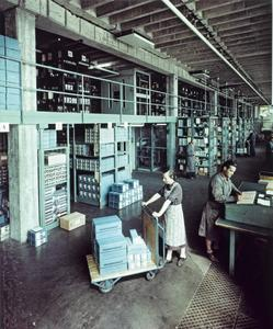 Motor Service Warehouse for pistons 1950s