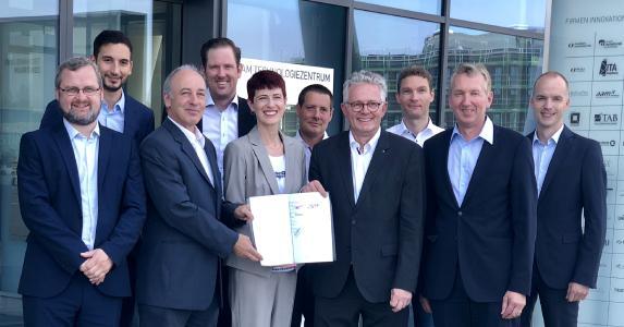 Premium AEROTEC, Faurecia und Solvay starten Initiative zur Entwicklung thermoplastischer Verbundwerkstoffe (IRG CosiMo) in Zusammenarbeit mit dem ITA Augsburg
