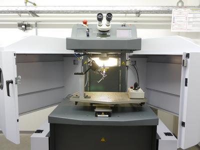 Der Integral für joystick-geführtes Auftragschweißen oder CNC Bearbeitung