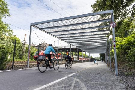 Teilstück des Radschnellwegs Ruhr in Essen / Foto: AGFS/Peter Obenaus, Foto zum Download unter www.agfs-nrw.de/weimarer-dreieck
