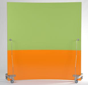 Colour combination Werkwand front in chalk light green and whiteboard orange.