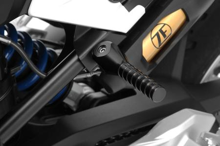 The Wunderlich lifting handle for the BMW F 900 R and XR (Item-No.: 26202-002)