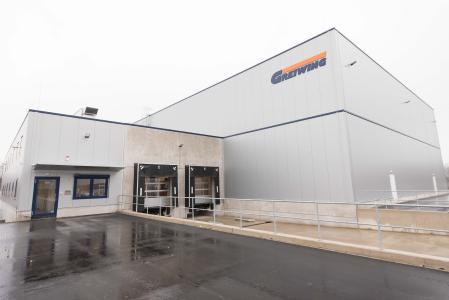 Das neue Gefahrstofflager von GREIWING bietet 3.000 Palettenstellplätze (Foto: Greiwing)