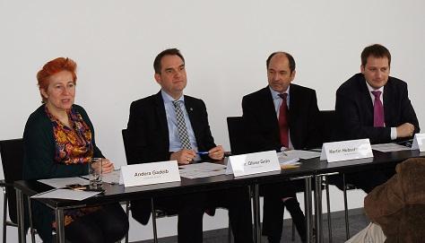 BITMi Vizepräsidentin Andera Gadeib, Präsident Dr. Oliver Grün, Vizepräsident Martin Hubschneider und Generalsekretär Manuel Höferlin auf der BITMi CeBIT Pressekonferenz