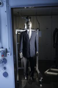 """Mit """"Sherlock"""" lassen sich die Wärmeisolation und die Atmungsaktivität von konfektionierten Textilien mit einem Prüfsystem ermitteln / © Hohenstein Group"""