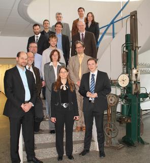 Zum Kick-off für das Projekt MAI Zfp im Spitzencluster MAI Carbon trafen sich die Vertreter der zehn Projektpartner in München