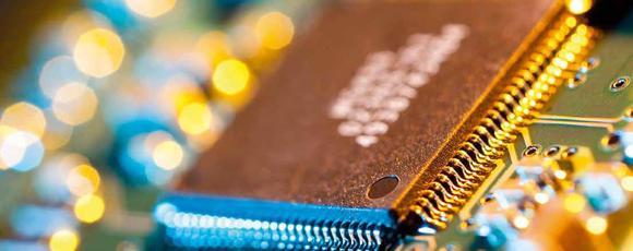 Die Aifotec GmbH, ein Fertigungsdienstleister im Bereich photonischer Komponenten für die optische Datenkommunikation, setzt auf eine automatisierte und energiesparende Produktion ihrer Komponenten