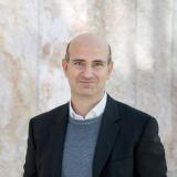 Prof. Dr. Lucio Blandini, einer der Autoren des Jahrbuchs Ingenieurbaukunst, promovierte am ILEK und ist seit vielen Jahren in leitender Position in der Werner Sobek AG tätig