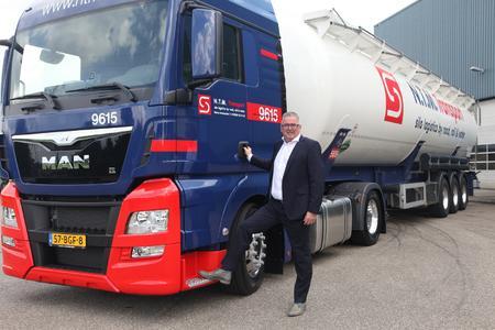 Treiber des Wachstums: Henk Batterink, Geschäftsführer der sht-Tochter NTM B.V., will Kunden aus der Kunststoffindustrie eine geschlossene Logistikkette bieten. (Foto: sht)