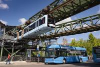 In Wuppertal fährt nicht nur die Schwebebahn emissionsfrei, sondern auch die neuen Wasserstoffbusse