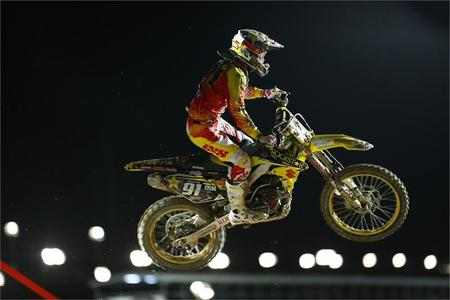 Coldenhoff Races to a Top-3 at Qatar MX2