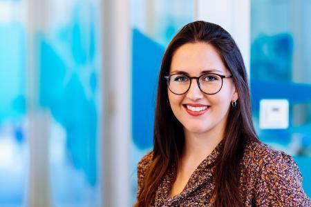 Laura Schüpphaus hat an der ISM Dortmund Wirtschaftspsychologie studiert.